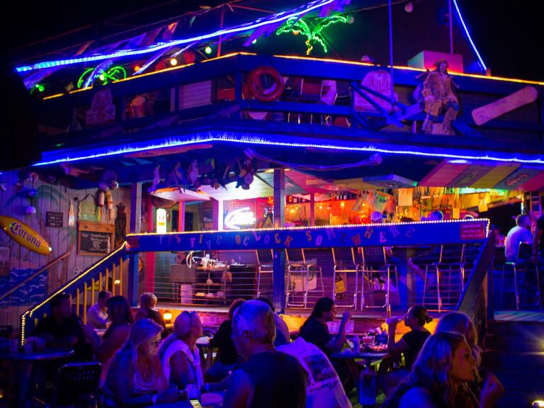 Matey's Bar & Restaurant